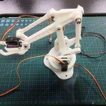 创客主题3D打印:AI教具-语音交互机械臂