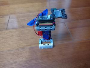 基于nano:bit的室内外温度检测仪