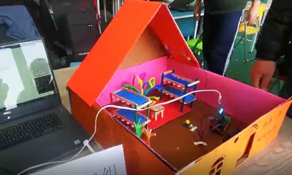 蘑菇云-甘肃天水市科创教师培训-优秀作品-小AI宿舍