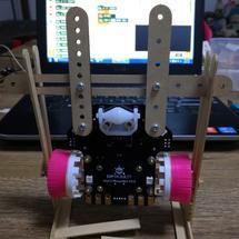 麦昆步行机器人